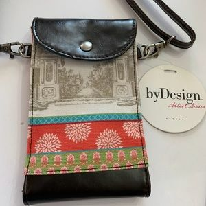 Demdaco Cellphone Crossbody/ Wrislet Bag. NWT